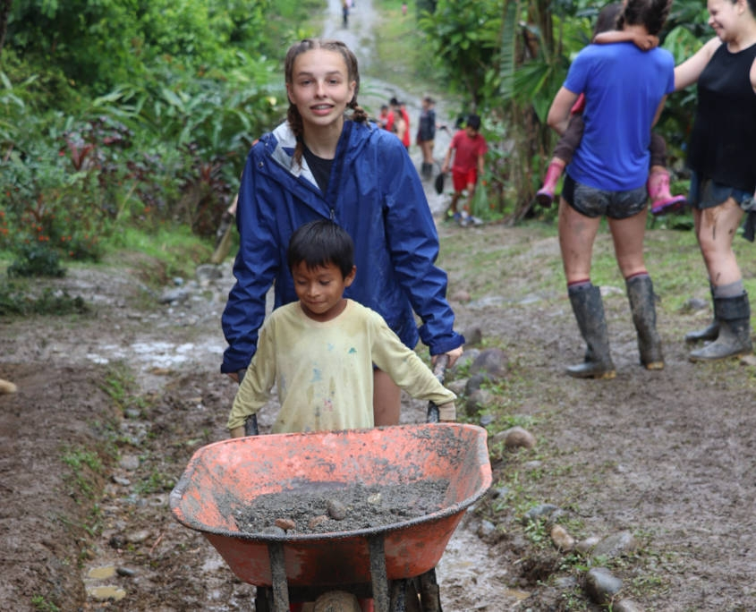 Volunteering in Ecuador Alongside Locals